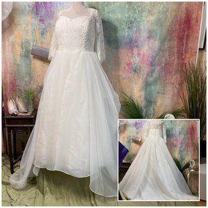 📌Oleg Cassini Stunning Wedding Dress w/ Sleeves